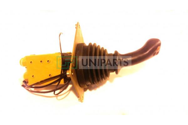 Клапан управления гидравлической системой (джойстик 1 рукоятки) CDM855 DXS 0709132